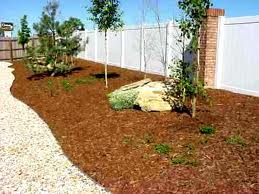Camarillo home with mulch in landscaping.